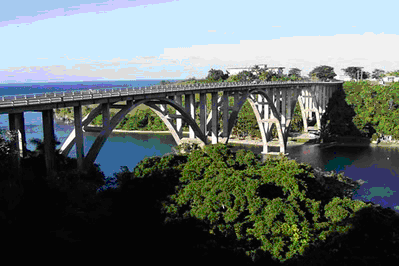 Canimar River Bridge, a beautiful three-65 meters (213 feet) span reinforced concrete arch bridge.