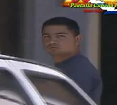 IDENTIFICALO: Agente del G2 que persigue a @yoanisanchez. #Cuba