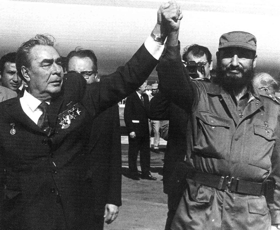 Fidel and Brezhnev copy