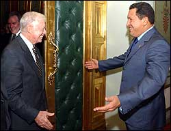 jimmy-carter_hugo-chavez
