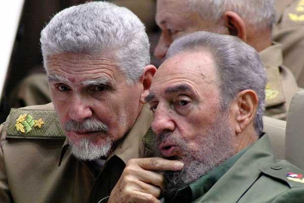 Fidel-y-Ramiro-Valdés