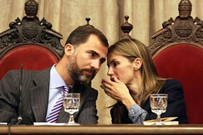 Prince+Felipe+Princess+Letizia+Visiting+Salamanca+BSUQFFD_cJDl (1)