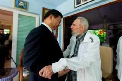 """Fidel: """"Ñoooo... pero mira que dificil es meterle la mano en el bolsillo a este chino...."""""""