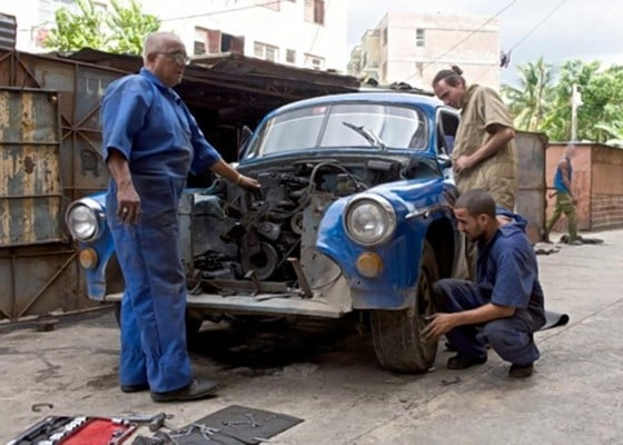 Aaaay New Discovery Channel Series Features Cuban Primitives And - New car show on discovery channel