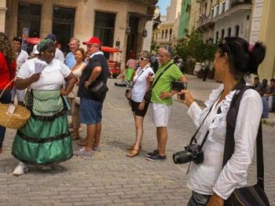 cuba-tourists-afp