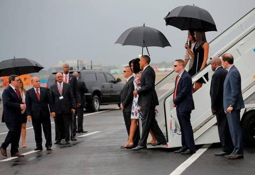 obama--arives
