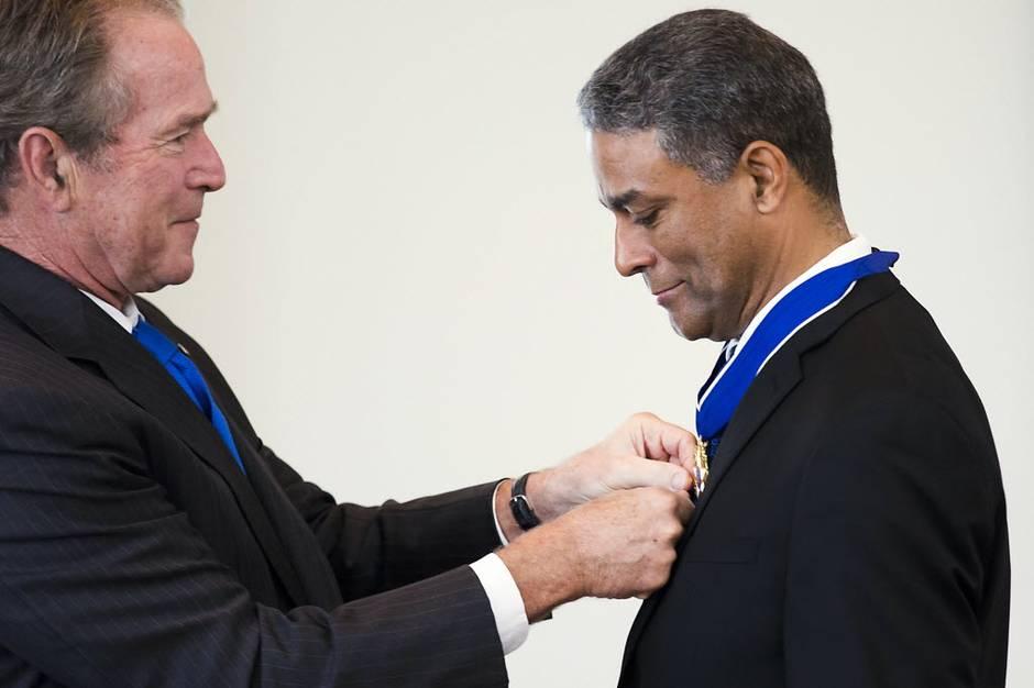 bush biscet medal of freedom dmn