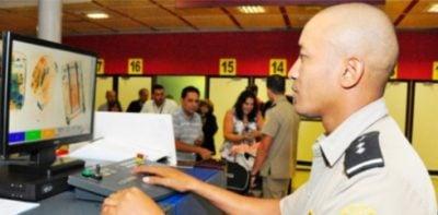 """Aduana de Cuba redobla fuerzas contra el narcotráfico y la introducción de """"literatura contrarrevolucionaria"""""""