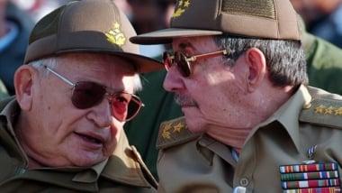 Guillermo García Frías with Raúl Castro