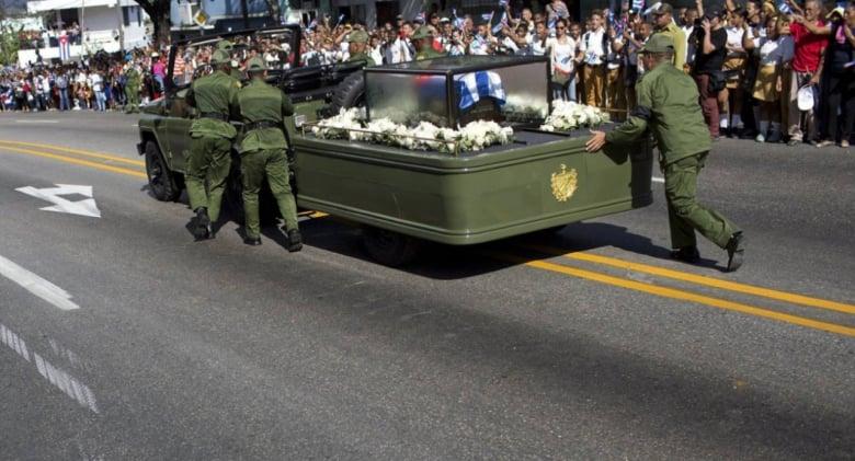fidel-jeep-funeral-broken-down